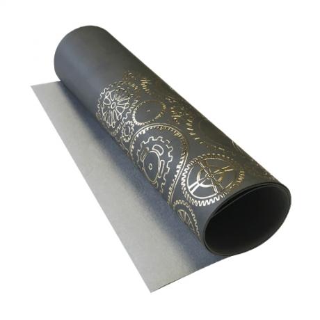 Отрез кожзама с тиснением  золотой фольгой Golden Gears Gray, размер 500мм х 250мм.